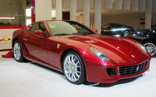 Ferrari「Motor Manufacturers Showcase Latest Models In Geneva」:写真・画像(7)[壁紙.com]