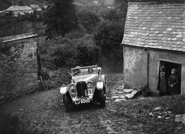 Dirt Road「Standard of JG Tice competing in the JCC Lynton Trial, 1932」:写真・画像(11)[壁紙.com]