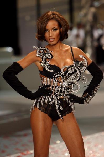 Victoria's Secret Fantasy Bra「2008 Victoria's Secret Fashion Show - Runway」:写真・画像(10)[壁紙.com]