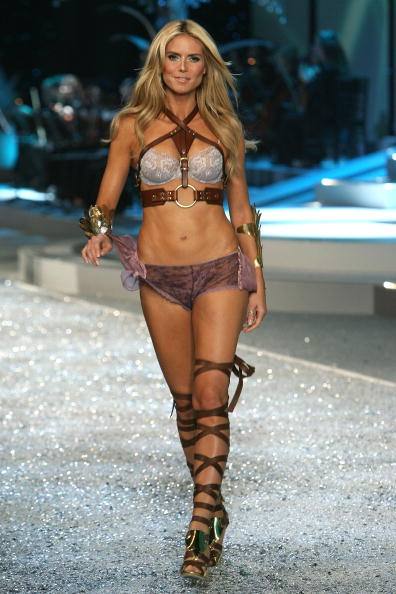 Victoria's Secret「2008 Victoria's Secret Fashion Show - Runway」:写真・画像(17)[壁紙.com]
