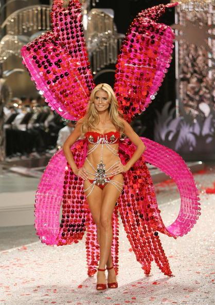 ヴィクトリアズ・シークレット・ファッションショー「2008 Victoria's Secret Fashion Show - Runway」:写真・画像(16)[壁紙.com]