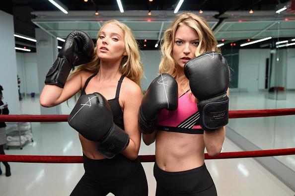 ヴィクトリアズ・シークレット「Victoria's Secret Models Martha Hunt and Elsa Hosk Boxing」:写真・画像(6)[壁紙.com]