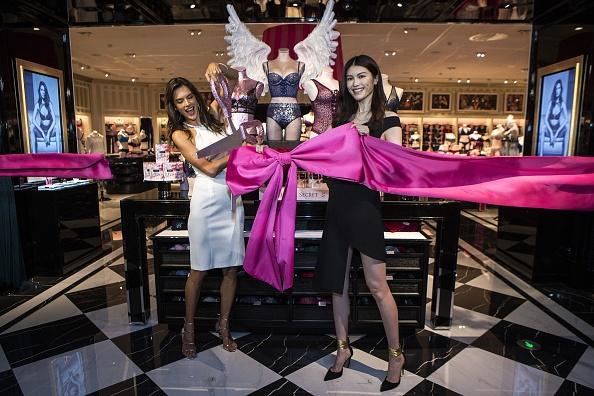 アレッサンドラ・アンブロジオ「Grand Opening of Victoria's Secret Chengdu Flagship Store」:写真・画像(18)[壁紙.com]