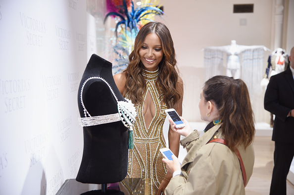Victoria's Secret Fantasy Bra「Victoria's Secret Angel Jasmine Tookes Reveals The $3 Million 2016 Bright Night Fantasy Bra」:写真・画像(15)[壁紙.com]