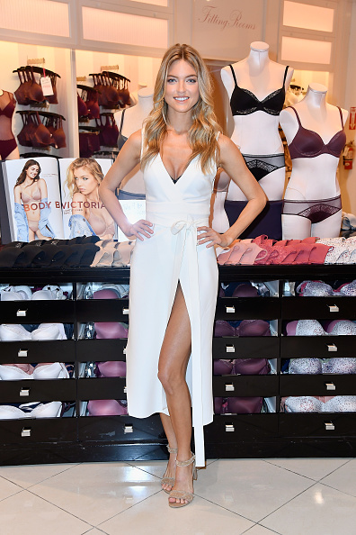 Victoria's Secret「Victoria's Secret Angel Martha Hunt Introduces New Body By Victoria Collection」:写真・画像(6)[壁紙.com]