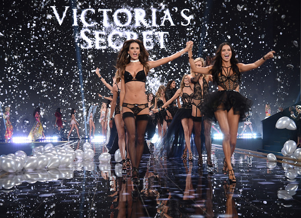 Fashion Show「2014 Victoria's Secret Fashion Show - Show」:写真・画像(8)[壁紙.com]