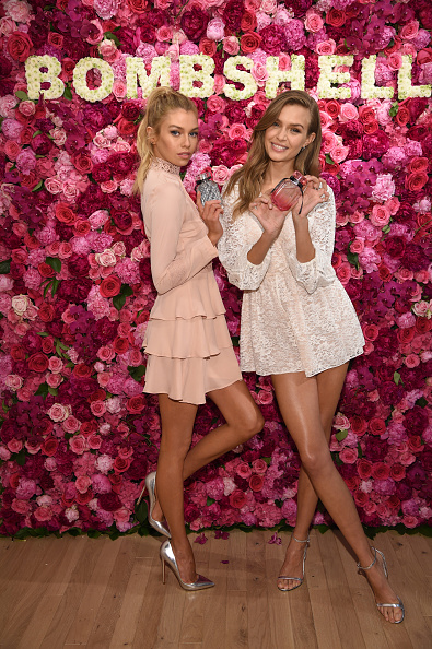 ヴィクトリアズ・シークレット「Victoria's Secret Angels Josephine Skriver And Stella Maxwell Celebrate The Bombshell Fragrance」:写真・画像(18)[壁紙.com]