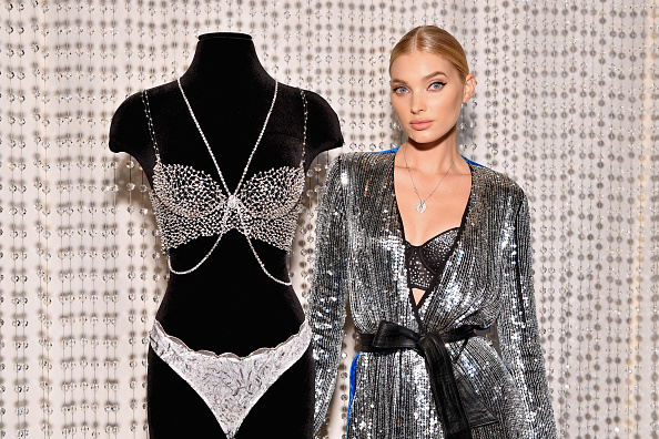 ヴィクトリアズ・シークレット「Victoria's Secret Angel Elsa Hosk Wears The 2018 Dream Angels Fantasy Bra」:写真・画像(16)[壁紙.com]