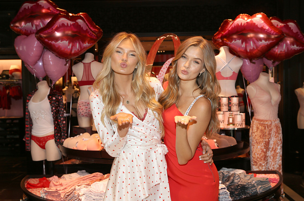 Holiday - Event「Victoria's Secret Angels Josephine Skriver and Romee Strijd Make This Valentine's Day, Me Day」:写真・画像(0)[壁紙.com]