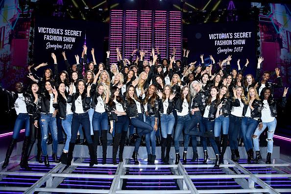 Candice Swanepoel「Victoria's Secret Fashion Show 2017 - All Model Appearance At Mercedes-Benz Arena」:写真・画像(5)[壁紙.com]