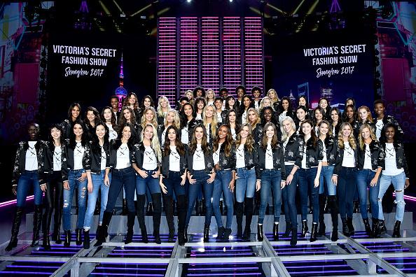 Candice Swanepoel「Victoria's Secret Fashion Show 2017 - All Model Appearance At Mercedes-Benz Arena」:写真・画像(7)[壁紙.com]