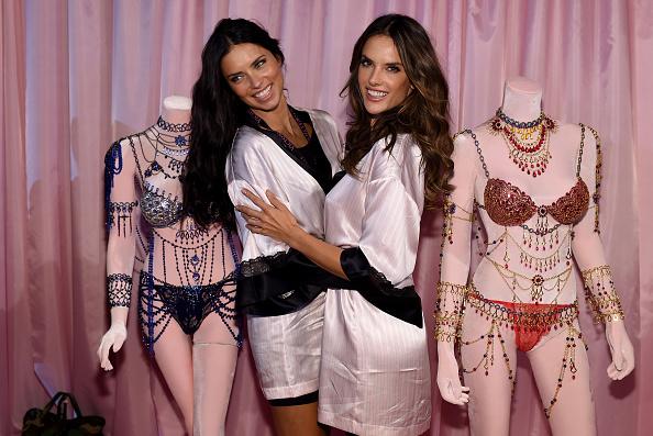 Event「2014 Victoria's Secret Fashion Show - Hair And Makeup」:写真・画像(11)[壁紙.com]