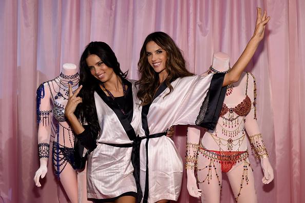 Event「2014 Victoria's Secret Fashion Show - Hair And Makeup」:写真・画像(7)[壁紙.com]