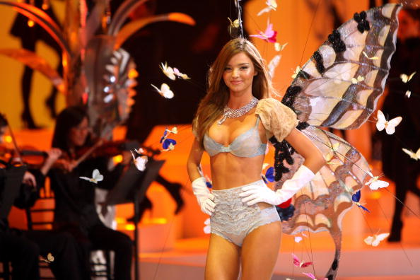 Victoria's Secret Fantasy Bra「2008 Victoria's Secret Fashion Show - Runway」:写真・画像(14)[壁紙.com]