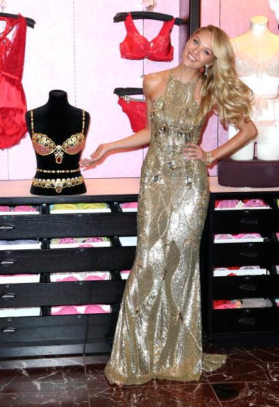 Royal Fantasy Bra「Victoria's Secret Reveals The Royal Fantasy Bra」:写真・画像(14)[壁紙.com]