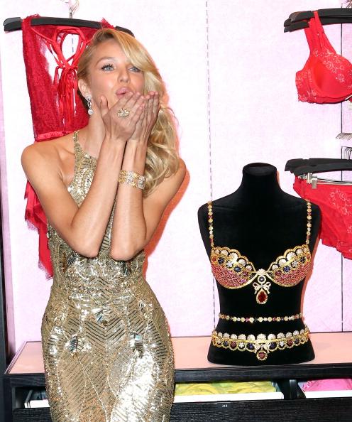 Royal Fantasy Bra「Victoria's Secret Reveals The Royal Fantasy Bra」:写真・画像(15)[壁紙.com]