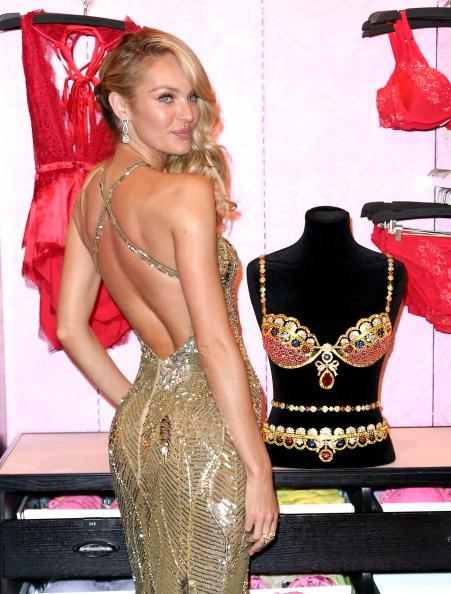 Royal Fantasy Bra「Victoria's Secret Reveals The Royal Fantasy Bra」:写真・画像(16)[壁紙.com]