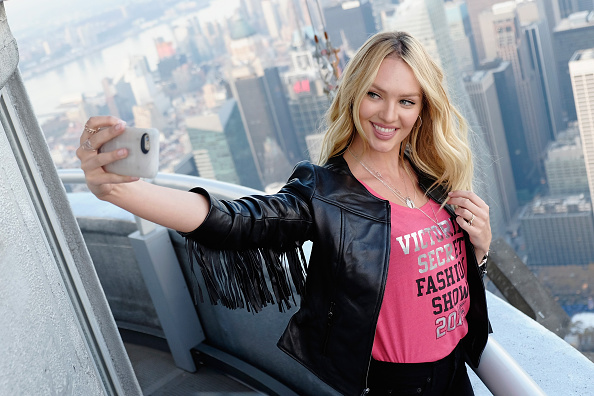 キャンディス・スワンポール「Victoria's Secret Angel Candice Swanepoel Lights The Empire State Building In Pink Stripes」:写真・画像(6)[壁紙.com]