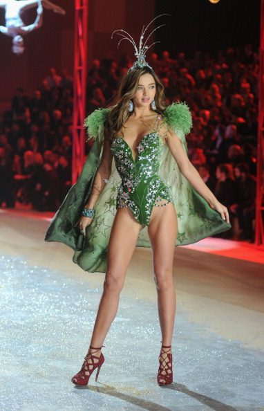 Miranda Kerr「2012 Victoria's Secret Fashion Show - Runway」:写真・画像(19)[壁紙.com]