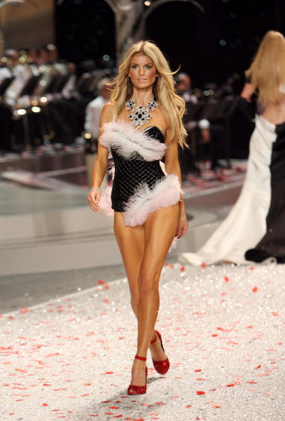 Victoria's Secret Fantasy Bra「2008 Victoria's Secret Fashion Show - Runway」:写真・画像(9)[壁紙.com]