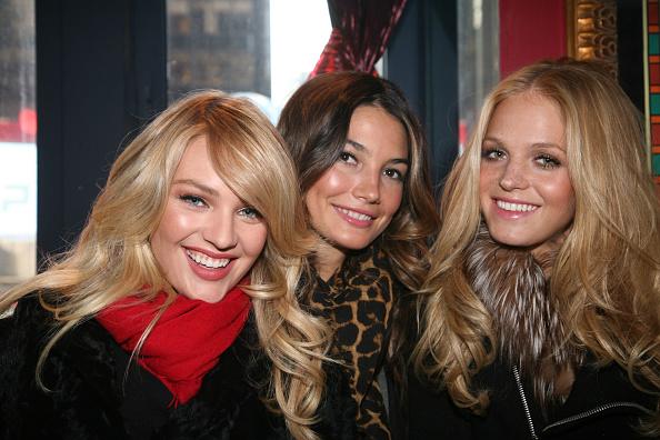 "Erin Heatherton「Victoria's Secret Bombshells Promote The Love Me Push-Up Lingerie Collection On ""Extra""」:写真・画像(19)[壁紙.com]"
