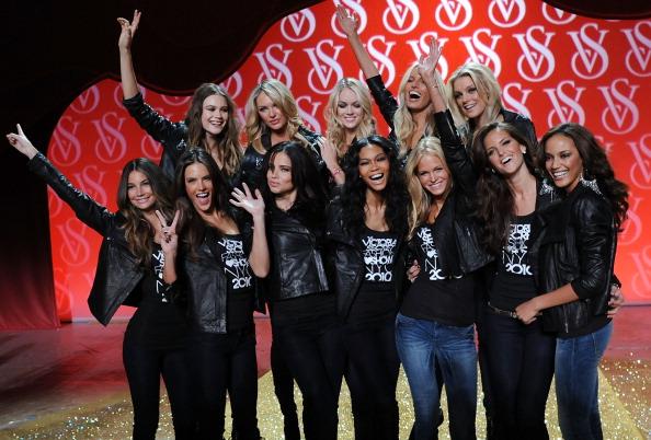 Rosie Huntington-Whiteley「The Victoria's Secret Fashion Show Preview」:写真・画像(1)[壁紙.com]
