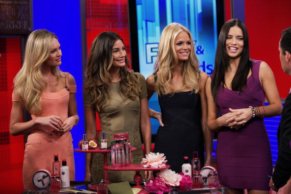 エリン・ヘザートン「Adriana Lima, Candice Swanepoel And Erin Heatherton  On 'FOX & Friends'」:写真・画像(5)[壁紙.com]