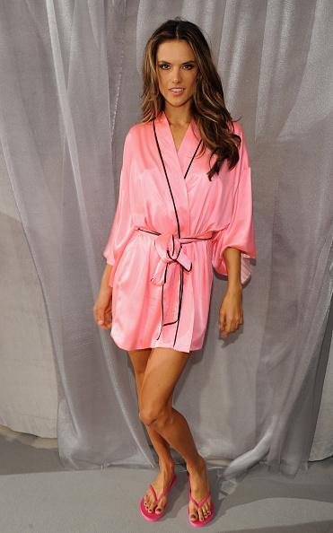 New York State Armory「2012 Victoria's Secret Fashion Show - Backstage」:写真・画像(18)[壁紙.com]