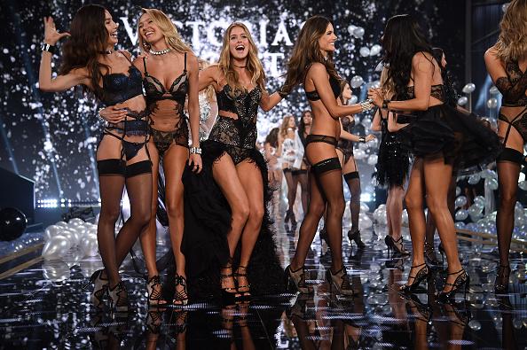 Candice Swanepoel「2014 Victoria's Secret Fashion Show - Show」:写真・画像(10)[壁紙.com]