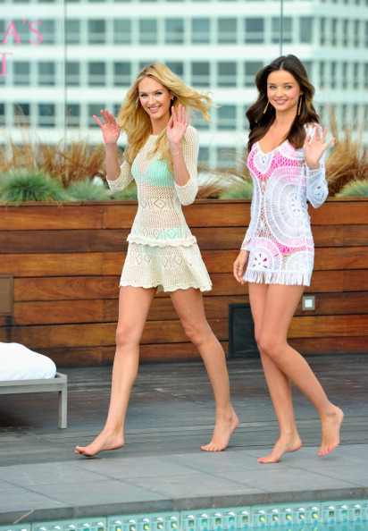 Miranda Kerr「Victoria's Secret 2012 Swim Launch With Miranda Kerr And Candice Swanepoel」:写真・画像(14)[壁紙.com]