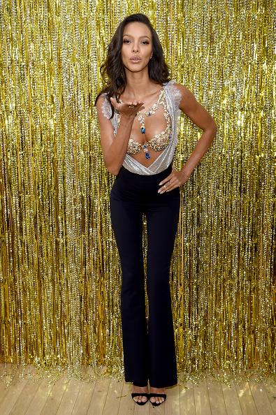 Lais Ribeiro「Victoria's Secret Angel Lais Ribeiro Reveals The $2 Million 2017 Champagne Nights Fantasy Bra」:写真・画像(13)[壁紙.com]