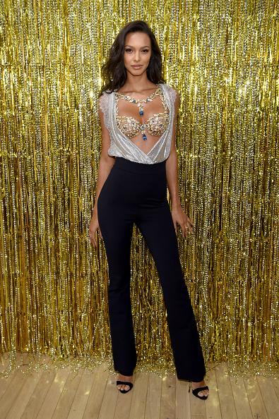 Lais Ribeiro「Victoria's Secret Angel Lais Ribeiro Reveals The $2 Million 2017 Champagne Nights Fantasy Bra」:写真・画像(9)[壁紙.com]