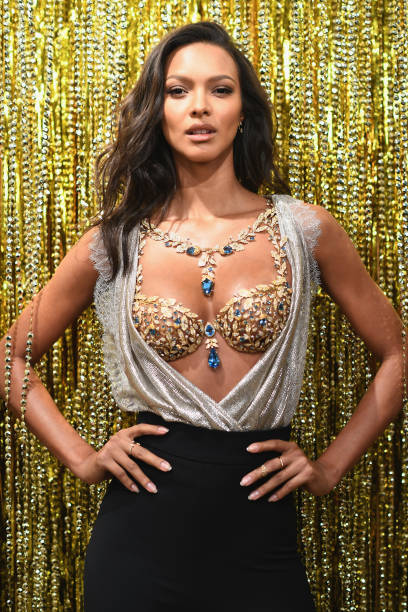 Victoria's Secret Angel Lais Ribeiro Reveals The $2 Million 2017 Champagne Nights Fantasy Bra:ニュース(壁紙.com)