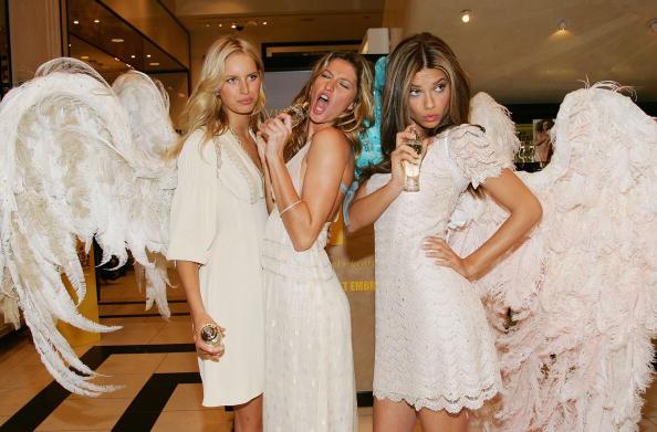 Victoria's Secret「Victoria's Secret Angels Celebrate America's Number One Fragrance & Bra」:写真・画像(5)[壁紙.com]