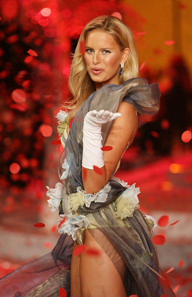 Victoria's Secret Fantasy Bra「2008 Victoria's Secret Fashion Show - Runway」:写真・画像(15)[壁紙.com]