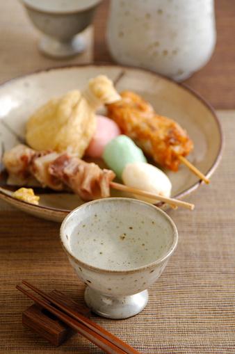 Sake「Cup of Sake and plate of skewered fish balls」:スマホ壁紙(7)