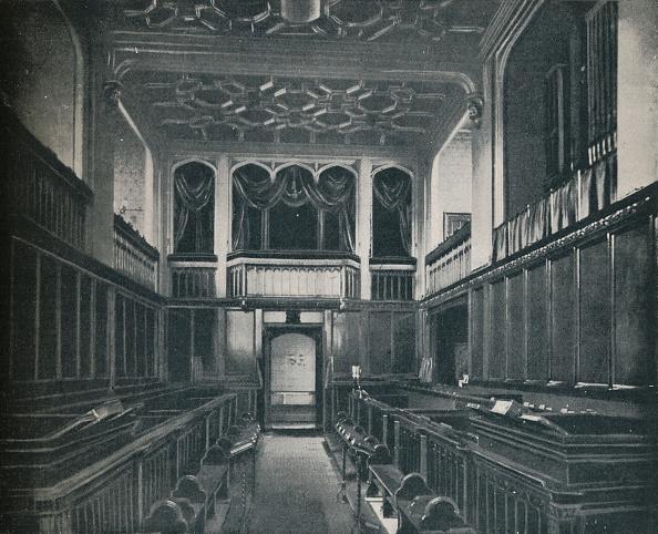 Chapel「'Princess Victoria was Confirmed at the Chapel Royal, St」:写真・画像(4)[壁紙.com]