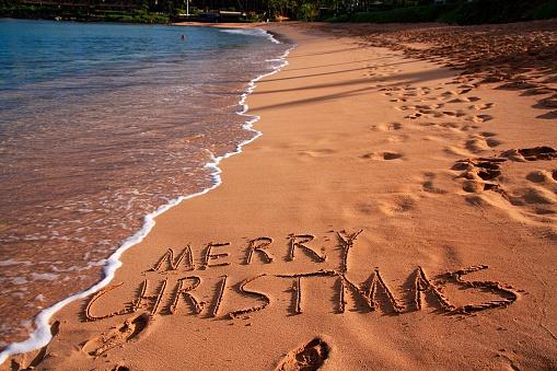 Kihei「Merry Christmas on Maui Hawaii beach sand」:スマホ壁紙(4)