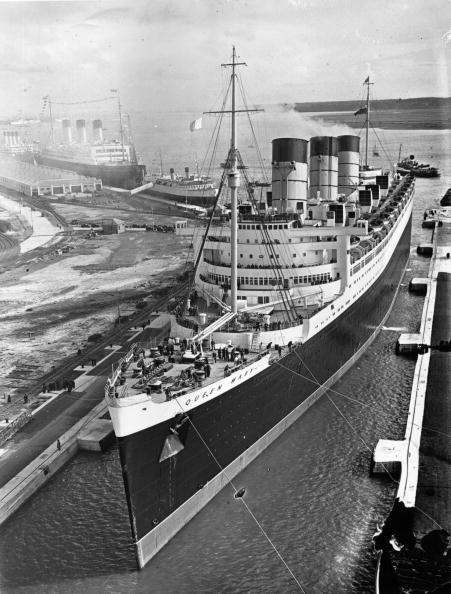 Passenger Craft「Queen Mary In Dock」:写真・画像(0)[壁紙.com]