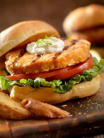 Pub Food「Salmon Burger」:スマホ壁紙(10)