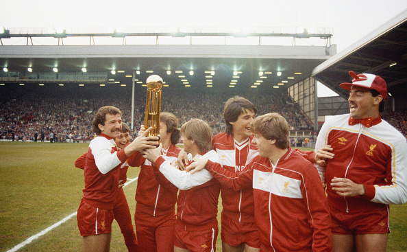 Celebration「Liverpool First Division Winners 1983/84」:写真・画像(6)[壁紙.com]