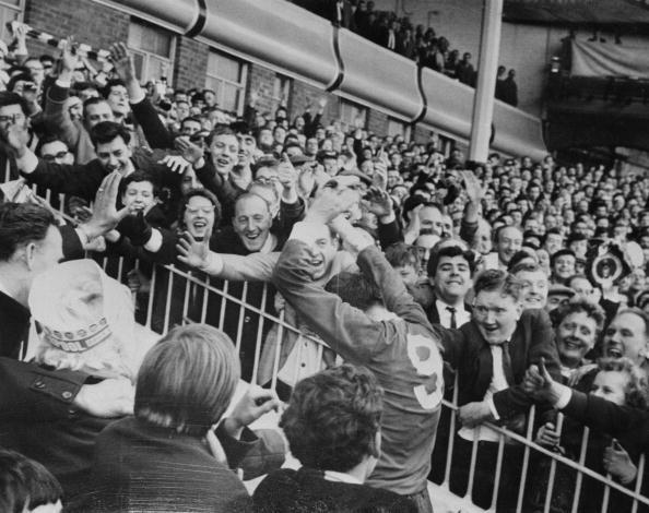 Liverpool F「Acclaim For St John」:写真・画像(17)[壁紙.com]