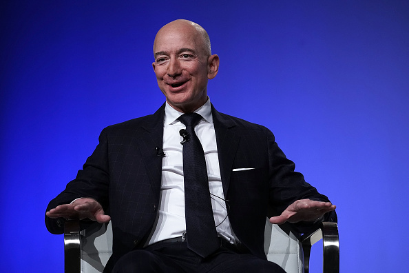 Economy「Amazon CEO And Blue Origin Founder Jeff Bezos  Speaks At Air Force Association Air, Space And Cyber Conference」:写真・画像(18)[壁紙.com]