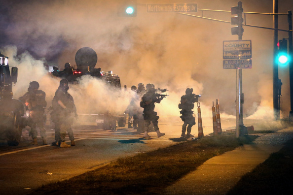 Missouri「National Guard Called In As Unrest Continues In Ferguson」:写真・画像(12)[壁紙.com]
