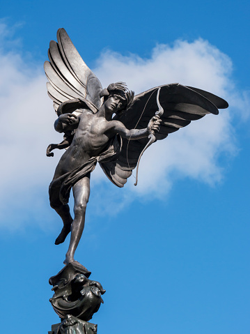 キューピット「Statue of Eros in Piccadilly Circus」:スマホ壁紙(16)