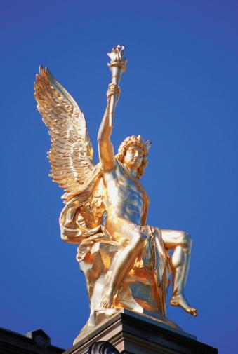 Cupid「Statue of Eros, Dresden, Germany」:スマホ壁紙(16)