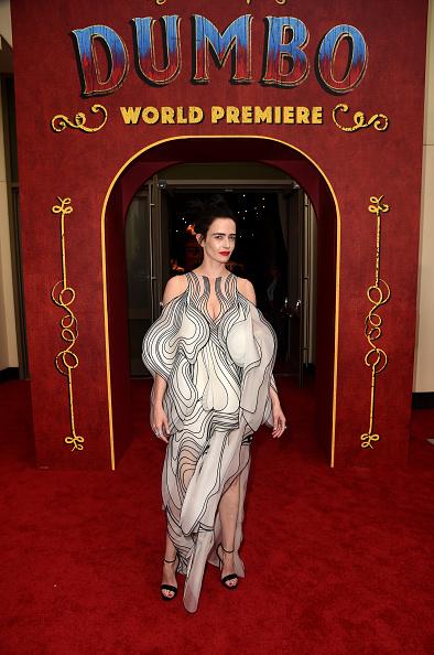 """Slit - Clothing「Premiere Of Disney's """"Dumbo"""" - Red Carpet」:写真・画像(5)[壁紙.com]"""