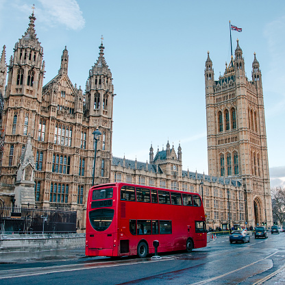 Double-Decker Bus「Houses of Parliament and red double-decker bus」:スマホ壁紙(6)