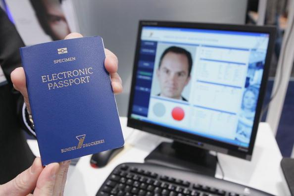 "ID Card「""CeBIT"" Technology Fair」:写真・画像(10)[壁紙.com]"