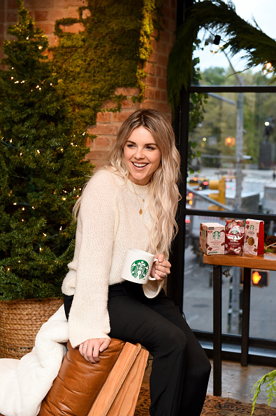 Recipe「Ali Fedotowsky-Manno Kicked Off The Holiday Season Early With Her Favorite At-Home Starbucks Coffee Recipes In NYC On October 17, 2019」:写真・画像(7)[壁紙.com]